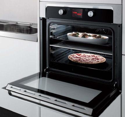 Конвекционная печь на кухне