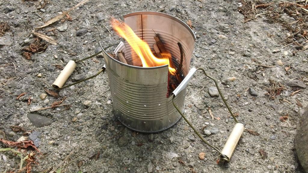 Походная печка из консервной банки
