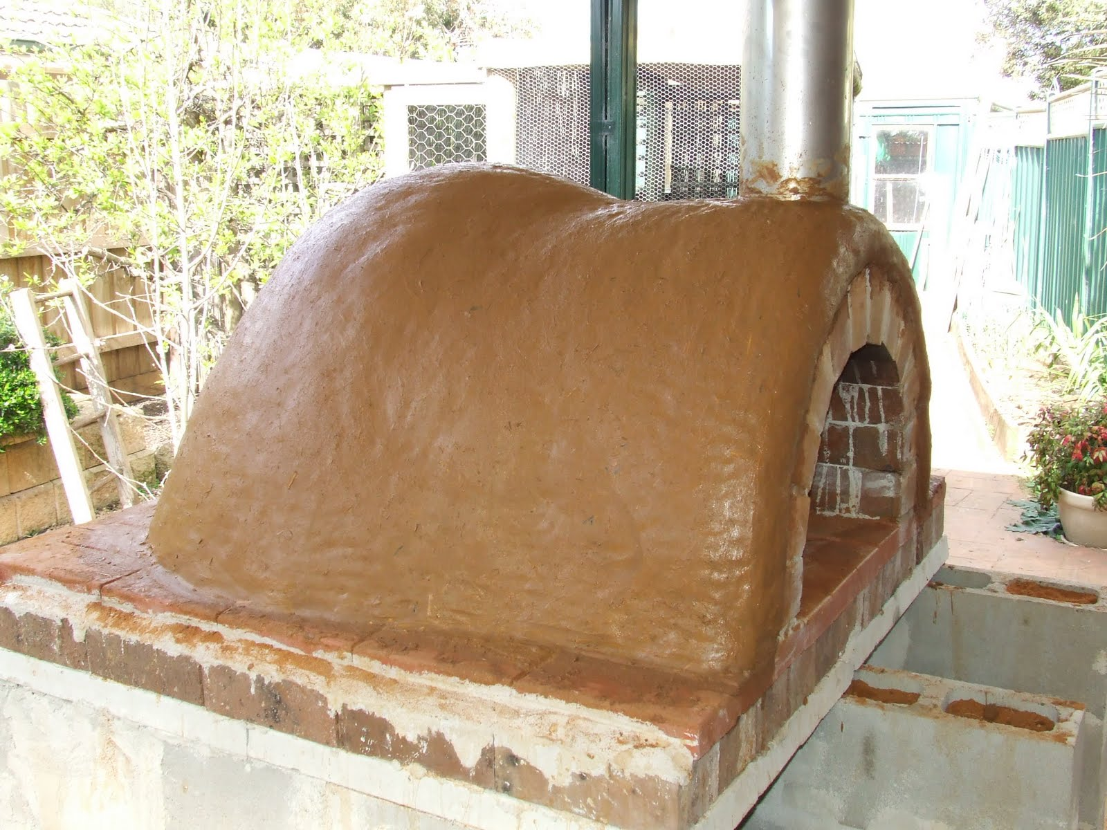 Самодельная глинобитная печь